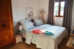 Maison d'hôte en Corse A Sulana notre chambre Nuciola et son armoire