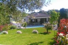 Maison d'hôte en Corse A Sulana vue de notre jardin piscine