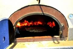 Four-à-pizza-A-Sulana-Chambre-d-hotes-de-charme-en-corse-Costa-Verde-Castagniccia