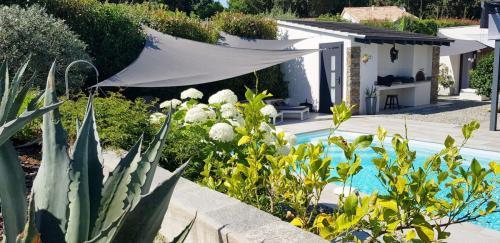 Maison d'hôtes A Sulana en Corse -vue sur la piscine -