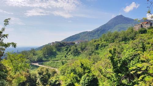 Maison d'hôte en Corse A Sulana paysage des montagnes de la Costa Verde